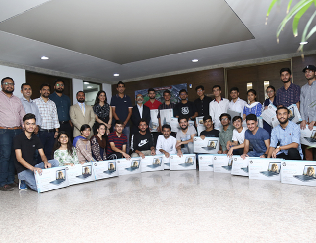 25 NTHP students receive laptops from a donor